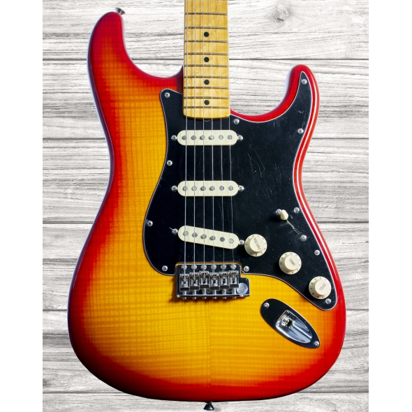 Guitarras formato ST Fender American Rarities Flame Ash Top Stratocaster ORG 60S MN PRB