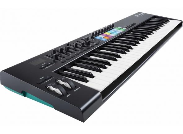 Controladores de teclados MIDI Novation Launchkey 61 MK2 B-Stock